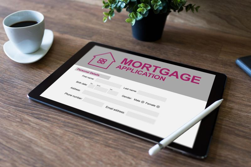 Have a good credit report for your mortgage application