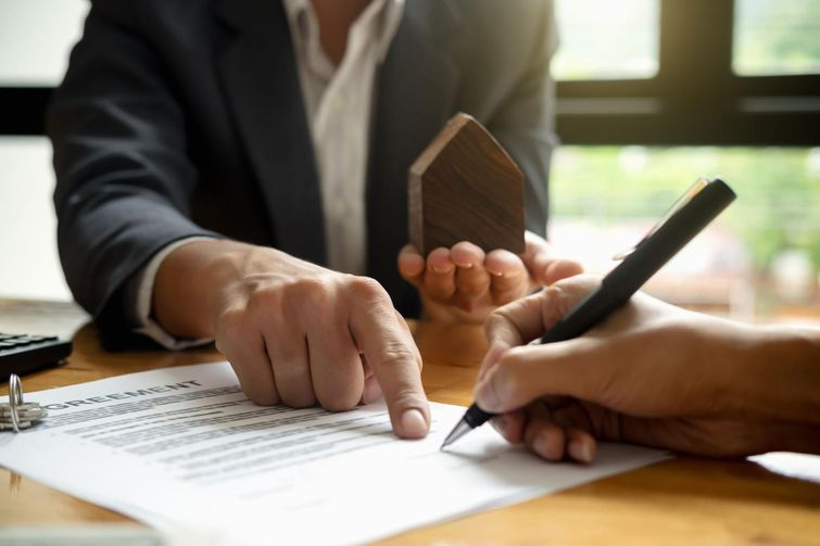 Budget for lawyer fees and legal fees while planning to buy a condo in Toronto